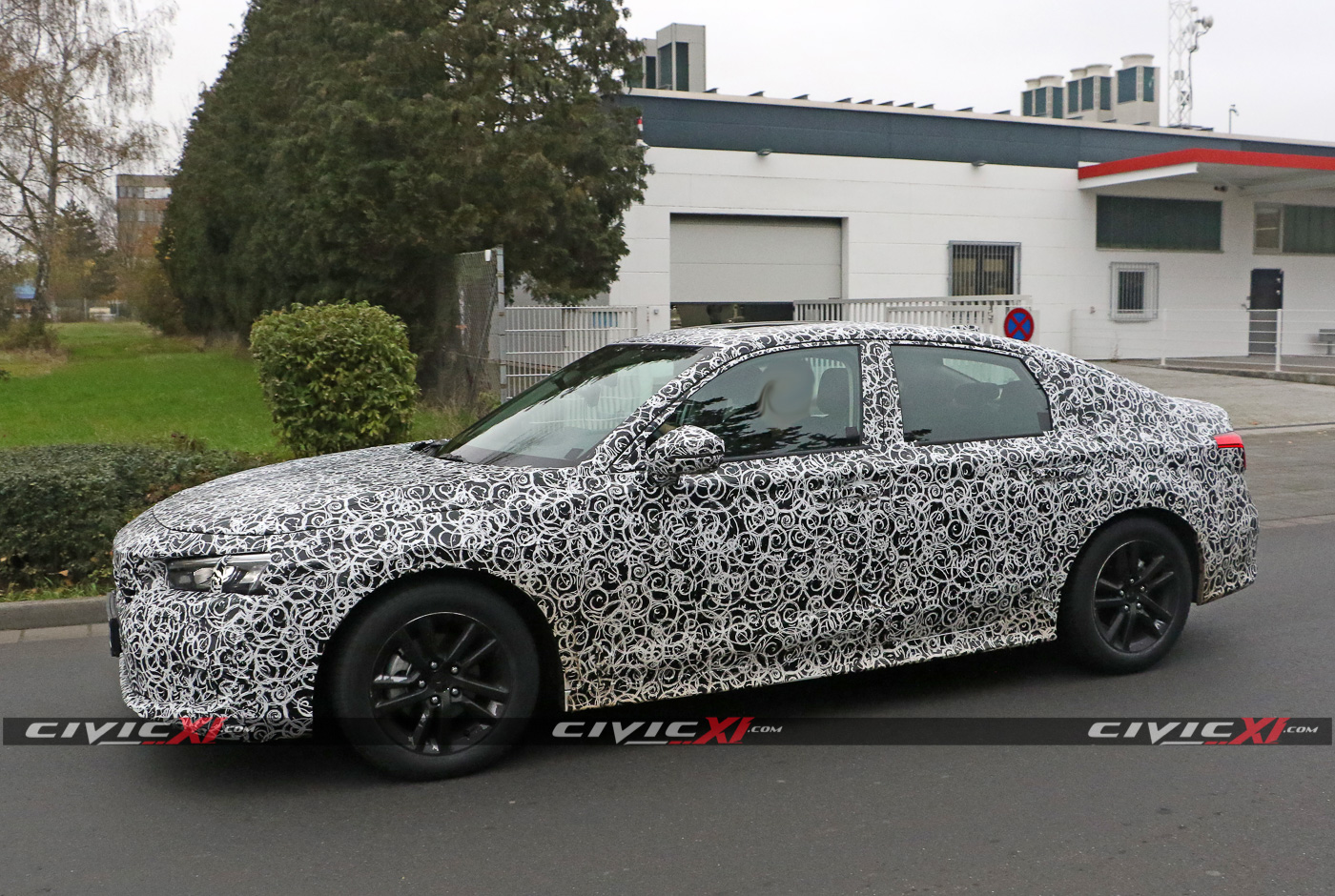 2022-Civic-Sedan-11th-Generation-Spied-Testing-Germany-9.jpg